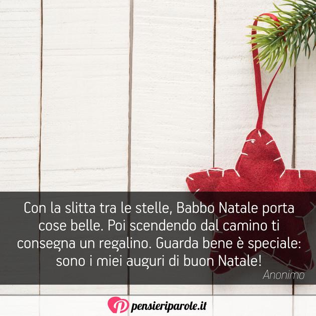 Immagini Babbo Natale Con Frasi.Immagine Con Augurio Auguri Di Natale Con La Slitta Tra Le